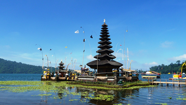 Bali Full Day Beratan Lake tour